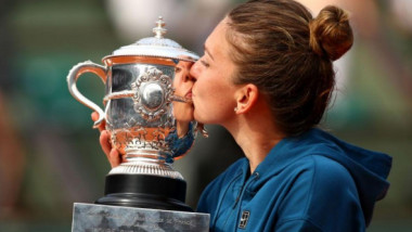 """""""Albinuţa"""" Halep! Aşa va arăta echipamentul Simonei la Roland Garros! FOTO"""