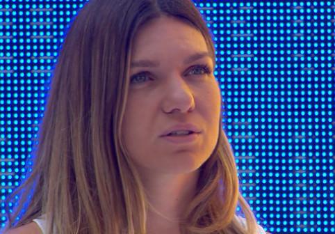 Impresionant! Cum a fost surprinsă Simona Halep în timpul intonării imnului național, pe Arena Națională
