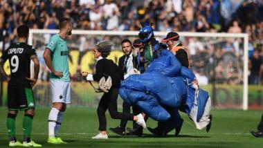 Imagini fără precedent pe un teren de fotbal. Ce s-a întâmplat în timpul partidei Sassuolo - Inter. Video