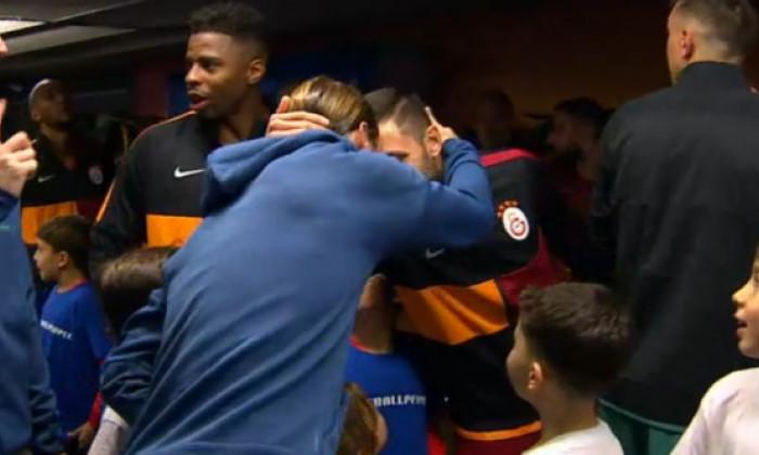 Reactie neasteptata! Ce a facut Sergio Ramos cand l-a vazut pe Florin Andone pe culoar, inainte de Galata - Real