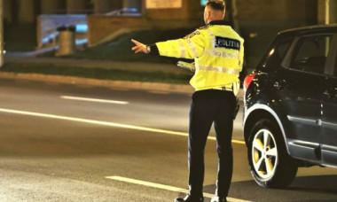 Greșeala din trafic care îi poate lăsa pe șoferi fără permis auto pentru un an. Polițiștii nu trec cu vederea acest detaliu