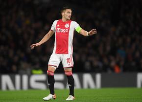 Ajax a pierdut acasă în campionat după 25 de luni și 36 de meciuri. Răzvan Marin, din nou rezervă