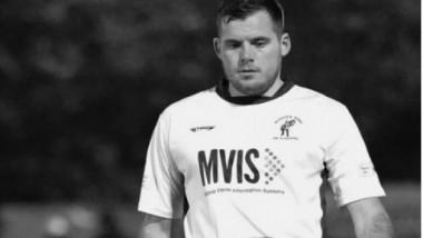 Un fotbalist de 25 de ani a murit, după ce a fost bătut cu bestialitate