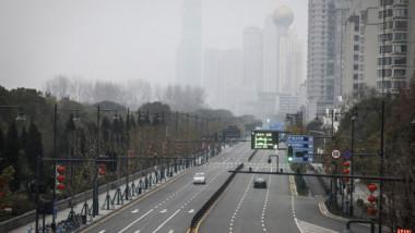 """""""E apocaliptic! Vrem să plecăm, dar nu putem!"""" Coșmarul trăit de străini în Wuhan, orașul paralizat de coronavirus"""