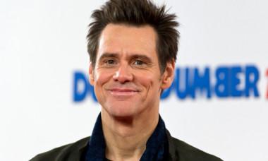 De la trăit pe străzi în copilărie, la salariu de zeci de milioane de dolari. Cum a devenit Jim Carrey unul dintre cei mai faimoși actori din lume