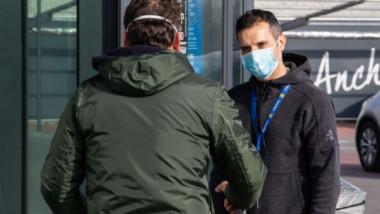 Cu masca pe figură! Spectatorii de la meciurile de fotbal din Italia şi-au luat măsuri de protecţie contra coronavirusului