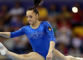 Superba gimnastă, Larisa Iordache, și-a pus uniforma de poliție și a ieșit pe stradă