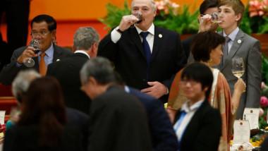 """Preşedintele ţării care sfidează coronavirusul: """"Mai bine să mori în picioare decât să trăieşti în genunchi!"""" Bilanţul anunţat"""