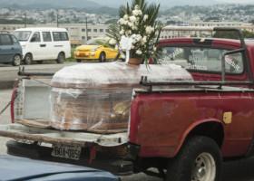 """Noi mărturii din Guayaquil, orașul unde spitalele au cedat și victimele sunt abandonate pe străzi: """"E crud ce se întâmplă!"""""""