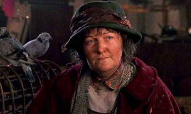 """""""Doamna cu porumbei"""" din Singur Acasă e actriță de Oscar. Cum arată și ce face la 74 de ani"""