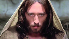"""A fascinat cu rolul din """"Iisus din Nazaret"""". Cum arată acum actorul Robert Powell și cum l-a marcat filmul biblic"""