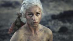 Peste un milion de like-uri pentru cea mai recentă poză publicată de Emilia Clarke, Mama Dragonilor. Imaginea cu care și-a înnebunit fanii