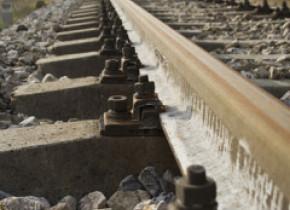 Accident feroviar în județul Olt. 15 vagoane ale unui tren au deraiat