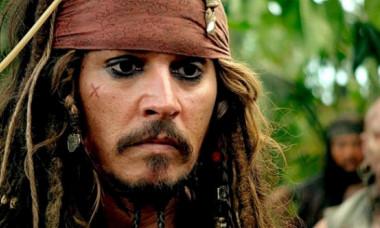 Imagine rară cu fiul lui Johnny Depp. Jack, fotografiat alături de iubita sa, un model francez în vogă