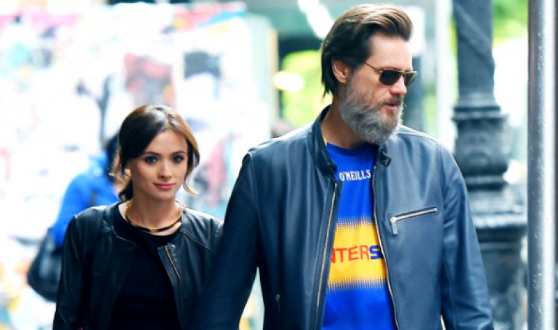 Jim-Carrey-cathriona White