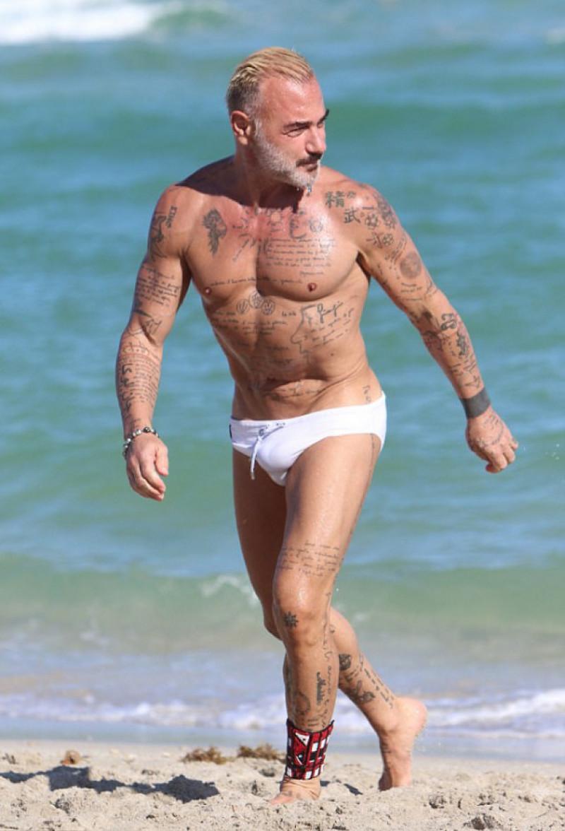 gianluca-vacchi-miami-beach-splash