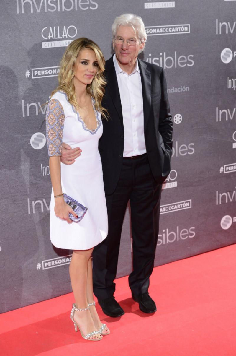 """Richard Gere et sa compagne Alejandra Silva à la première de """"Time Out of Mind"""" à Madrid"""