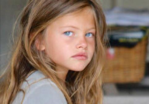 """A fost supranumită """"cea mai frumoasă fată din lume"""". Thylane Blondeau uimește și astăzi cu look-ul spectaculos"""