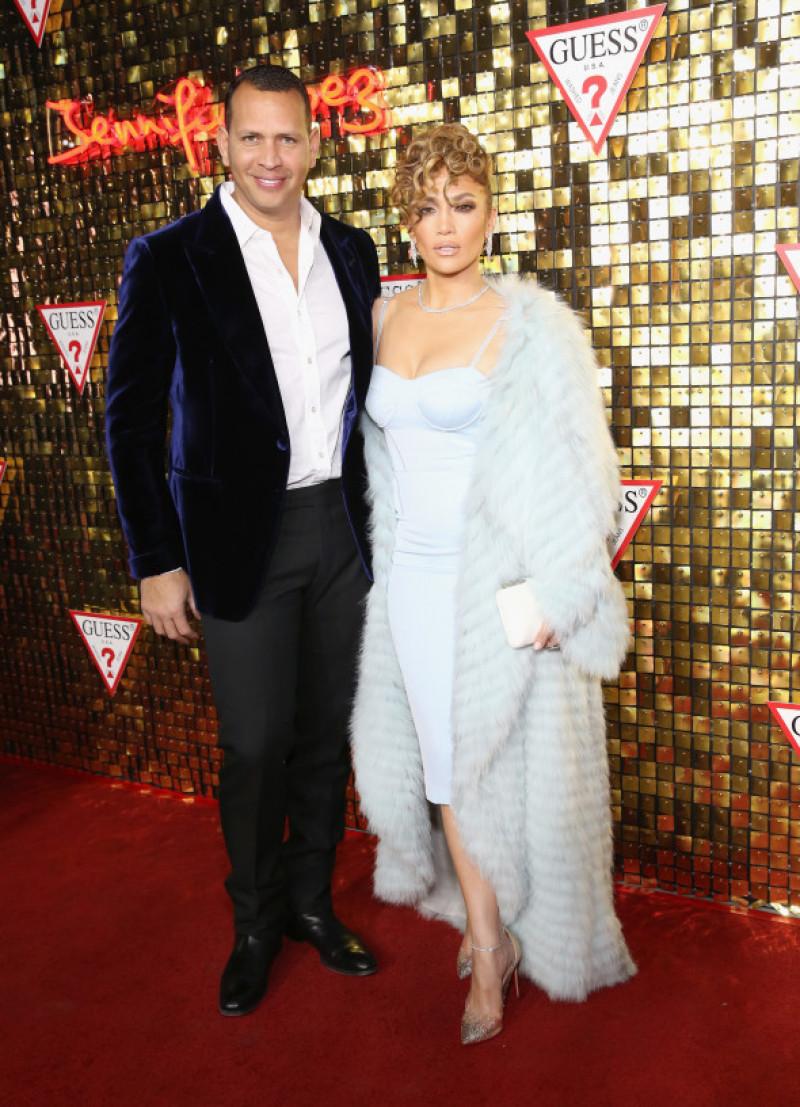 Jennifer Lopez alături de Alex Rodriguez