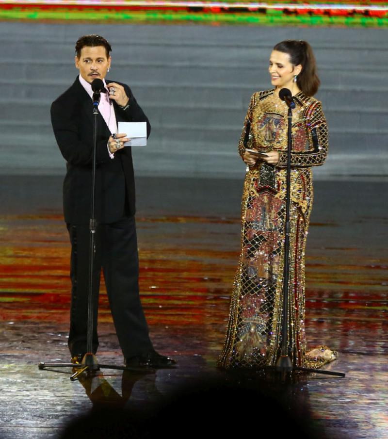 Johnny Depp și Juliette Binoche la Festivalul de Film de la Hainan, China