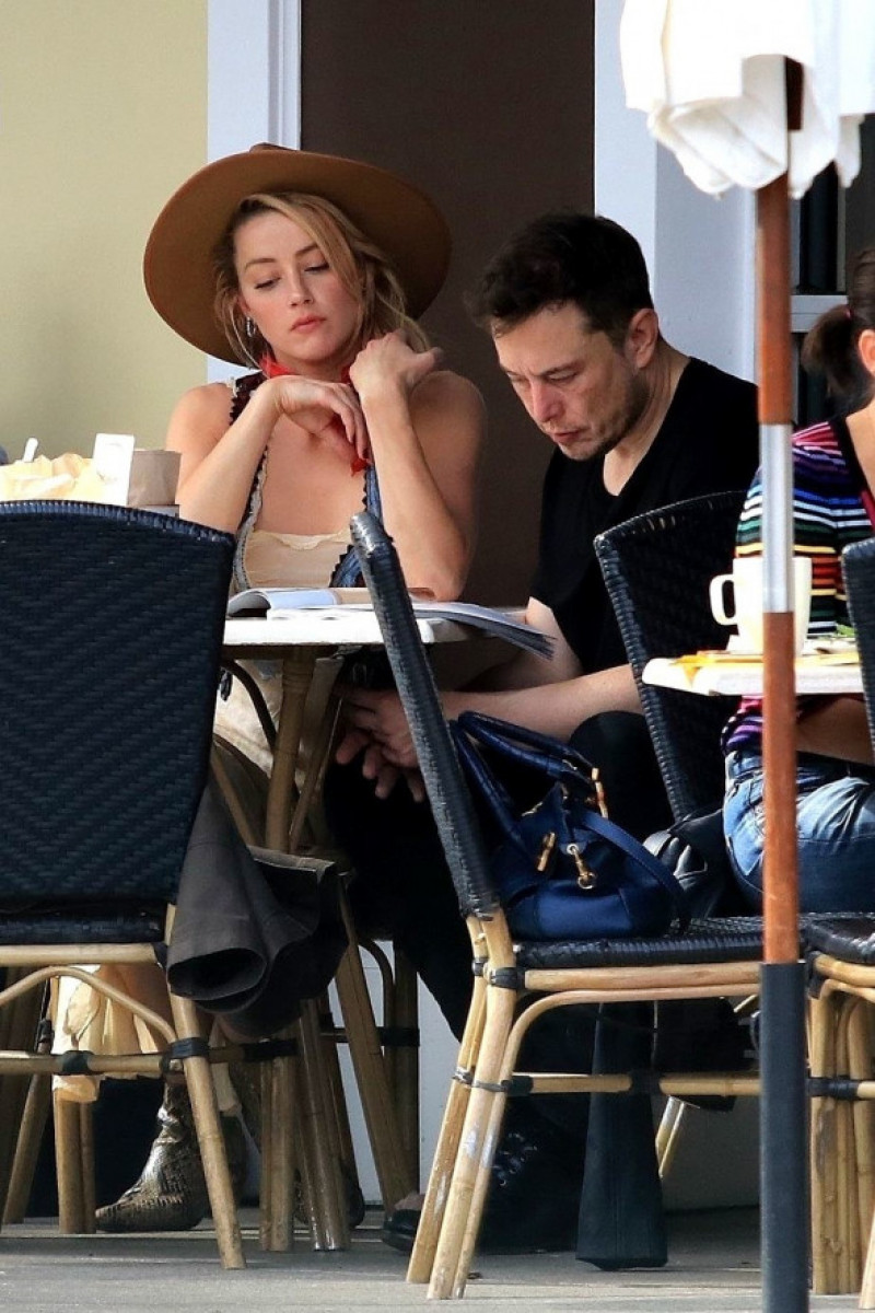 Amber Heard si Elon Musk reunite for Breakfast la restaurantul Sweet Butter Kitchen