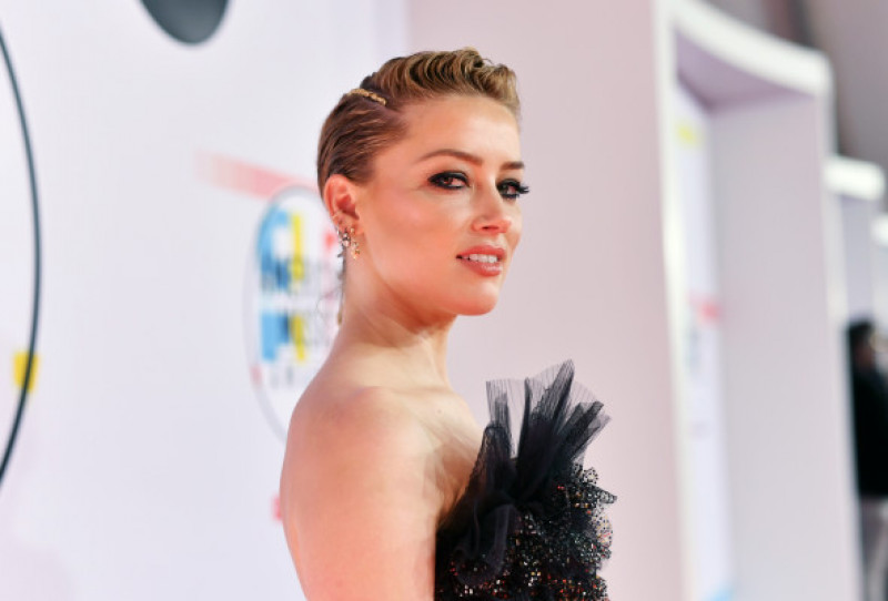 Amber Heard American Music Awards 2018