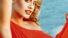 Loredana, fotografie de colecție din 1991. Ipostază senzuală la malul mării