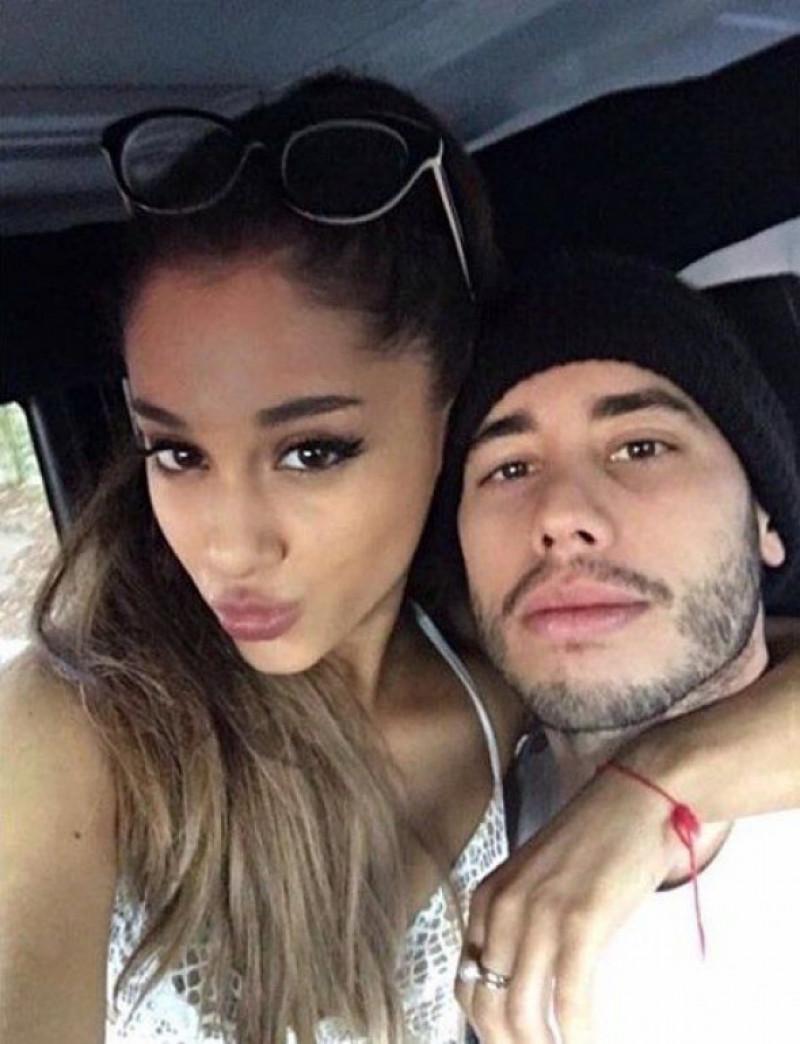 Ariana-Grande-Ricky-Alvarez-selfie