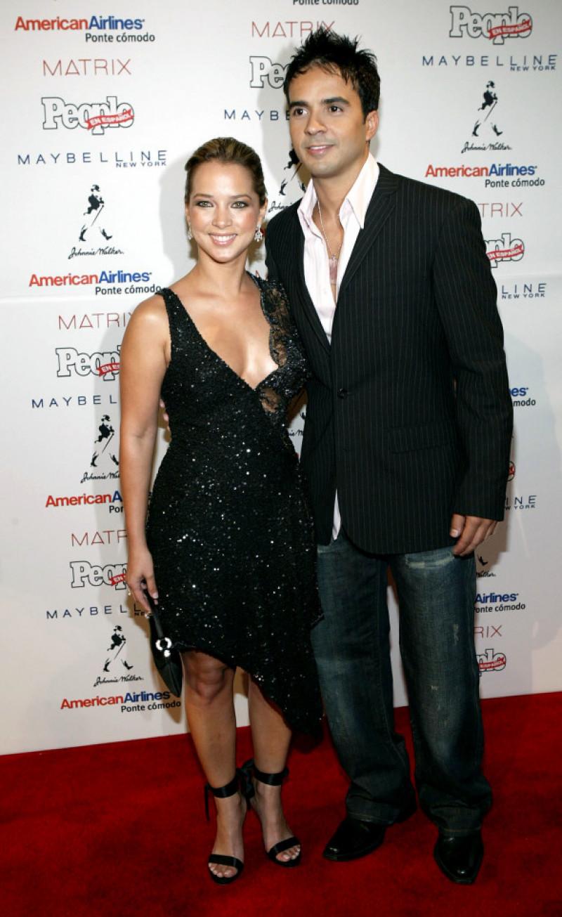 Lusi Fonsi și Adamari Lopez la o gala a revistei People