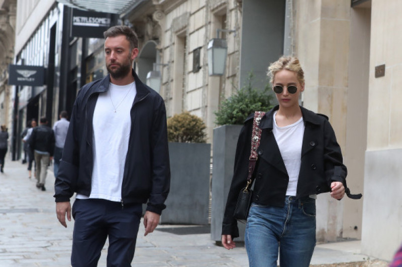 Cooke Maroney alături de Jennifer Lawrence la Paris
