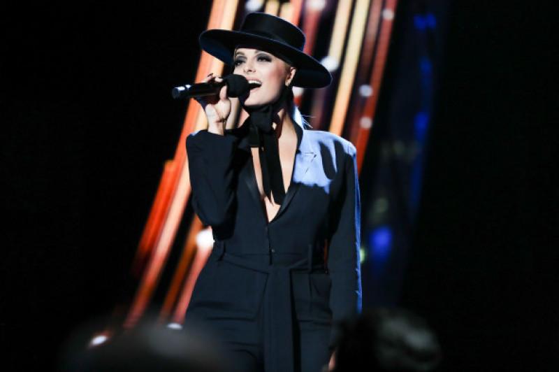 Bebe Rexha recital gala premiilor iHeartRadio