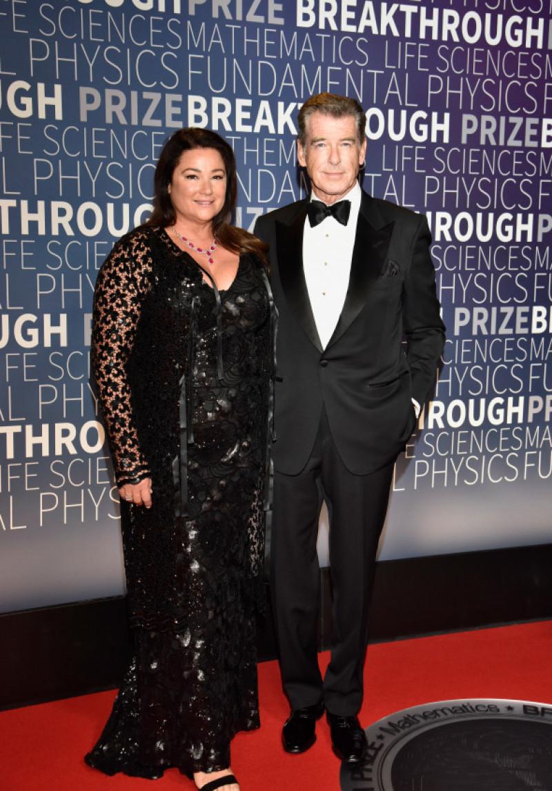 Pierce Brosnan alături de cea de-a doua soție Keely Shaye Smith