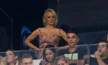 Pamela Anderson se iubește din nou cu fotbalistul din naționala Franței. A oferit detalii picante