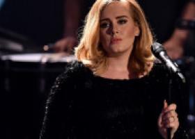 Adele continuă să-și transforme silueta și surprinde cu un look total diferit. Cum arată acum artista