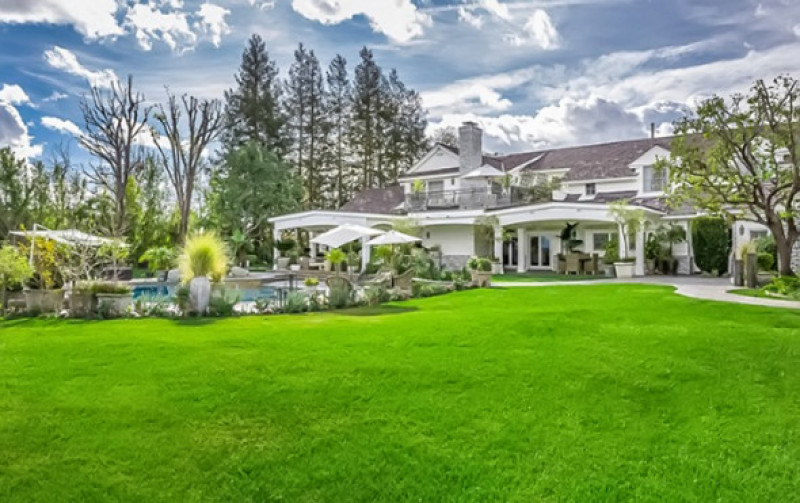 Jennifer Lopez Selling the Hidden Hills House She Remodeled