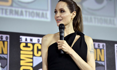 """""""Nimeni nu-și mai aduce aminte când a avut ultima oară o masă completă"""". Câte kilograme a ajuns să cântărească Angelina Jolie"""