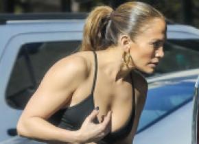 Jennifer Lopez, în pantaloni scurți și body decupat, de Ziua Americii. Cum i-a surprins pe trecători