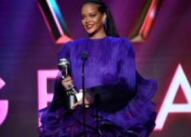 Rihanna scrie istorie. Este prima vedetă din lume care pozează astfel pe coperta celebrei reviste Vogue, ediția britanică