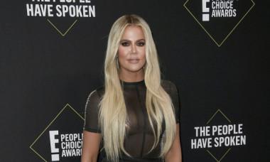 Khloe Kardashian dă replica după ce netul s-a umplut de meme-uri în urma fotografiei postate de vedetă
