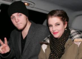 Nepotul lui Elvis Presley a murit la 27 de ani. Lisa Marie Presley este devastată de moartea fiului ei