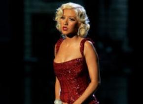 """Refuză să slăbească. Christina Aguilera: """"Nu mai țin diete, treceți peste asta"""". Cum arată acum artista"""