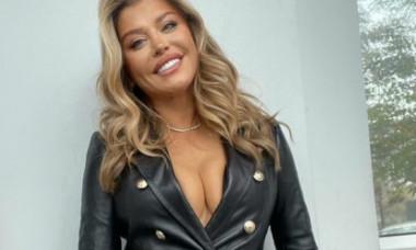 Loredana, în cea mai sexy ținută de anul ăsta. Cum arată într-o pereche de pantaloni de piele minusculi