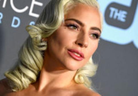 Lady Gaga, cea mai bizară apariție de când a îmbrăcat rochia creată din carne. Imagine a făcut furori printre fani