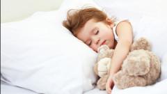 Cate ore ar trebui sa doarma un copil in functie de varsta