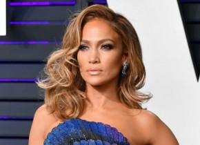 Jennifer Lopez nu mai arată așa. La ce schimbare de look a apelat diva latino: FOTO
