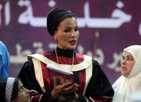 Sheikha Mozah, sultana care sfidează lumea islamică. Nu poartă hijab și e politician