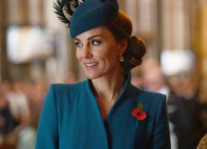 Kate Middleton, apariție spectaculoasă într-o rochie din dantelă, cu decolteu inimă-GALERIE FOTO