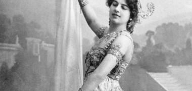 """Cine a fost Mata Hari, prima """"femeie fatala"""" a vremurilor moderne. Povestea ei, inca un mister"""