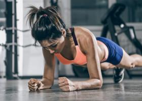Dana Glowacka a stabilit un nou record la planking. Cat a rezistat profesoara de yoga