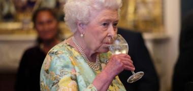 Ce placeri culinare are Regina Elisabeta. Desertul pe care l-ar consuma zilnic
